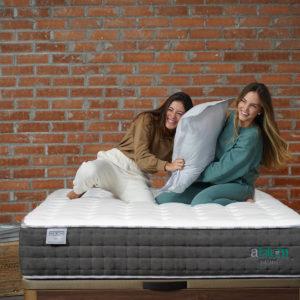 NIX Somnia ellas sonriendo almohada